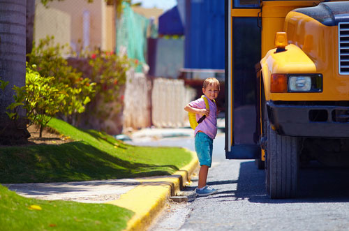 Why School Buses are Safer for Child Commutes